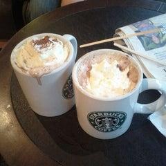 Photo taken at Starbucks by Xavier B. on 12/20/2011
