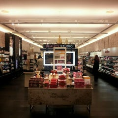 Photo taken at Sephora by A_Be@utiful_Mess on 12/3/2011
