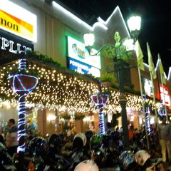 Photo taken at Mal Malioboro by Cazz on 12/27/2011