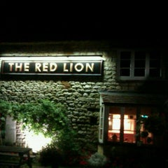 Photo taken at The Red Lion by Lukas K. on 9/10/2011