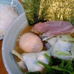 Photo taken at 横浜ラーメン武蔵家 幡ヶ谷店 by daisuke n. on 11/21/2011