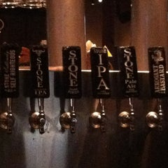 Photo taken at Yard House by Oui D. on 7/28/2012