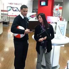 Photo taken at Verizon by Sonney P. on 3/31/2012