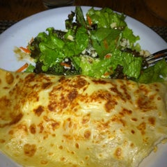 Photo taken at Candeeiro Pizza & Crepe by Lombricita d. on 6/7/2012