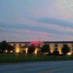 Photo taken at Hampton Elgin by Jos V. on 5/25/2012