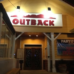 Photo taken at Outback Steakhouse by alvaro g. on 3/28/2012