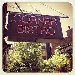 Foto tirada no(a) Corner Bistro por Dan S. em 4/27/2012