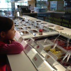Photo taken at Pinkberry by Pufi C. on 11/18/2012