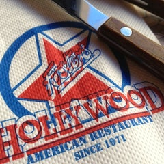 Photo taken at Foster's Hollywood by Ricardo M. on 1/4/2013