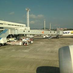 Photo taken at 鹿児島空港5番搭乗口 by Nao on 10/2/2013