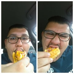 Photo taken at Taco Bell by Gianni L. on 6/28/2014