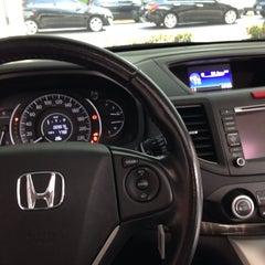 Photo taken at Honda Nova Luz by Enderson L. on 11/21/2014