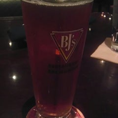 Photo taken at BJ's Restaurant and Brewhouse by khiyami1 on 5/25/2013