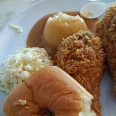 Photo taken at KFC by Reen B. on 9/6/2015