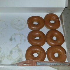 Photo taken at Krispy Kreme Doughnuts by Robbey DeLeon K. on 10/15/2012