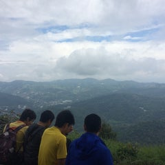 Photo taken at หน้าผาม่อนล่อง by Alokaya T. on 6/14/2014