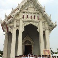 Photo taken at วัดชลประทานรังสฤษฎ์ (Wat Chonprathan Rangsarit) by IamPex on 10/12/2014