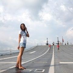 Photo taken at เรือหลวงจักรีนฤเบศร (HTMS Chakri Naruebet) by IamPex on 11/11/2012