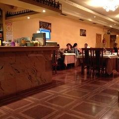 Photo taken at Restaurante Cielo Dragón by Enrique R. on 9/13/2013