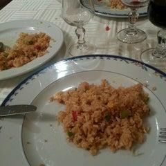 Photo taken at Restaurante Cielo Dragón by Enrique R. on 5/31/2013