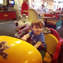 Photo taken at Chuck E. Cheese's by Hilary M. on 3/10/2014
