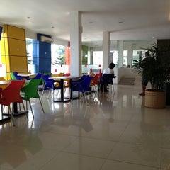 Photo taken at Amaris Hotel Banjar by Titin M. on 3/29/2013