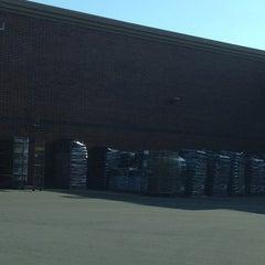Photo taken at Walmart Supercenter by Keetha S. on 4/5/2013