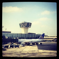 Photo taken at Newark Liberty International Airport (EWR) by Manny G. on 10/5/2013