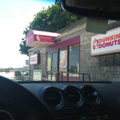 Photo taken at Dunkin' Donuts by Miike on 6/1/2013