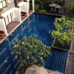 Photo taken at Woodlands Suites Serviced Residences Pattaya by 정현 성. on 3/8/2014
