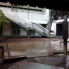 Photo taken at Facultad de Letras y Comunicación by Jonathan L. on 6/30/2014