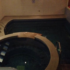 Photo taken at Motel Villas Puente by Adriel . on 11/10/2012