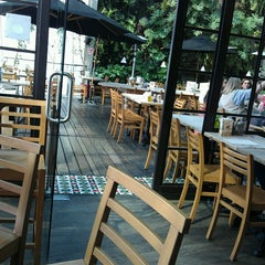 Photo taken at Le Pain Quotidien by Carlos M. on 7/29/2013