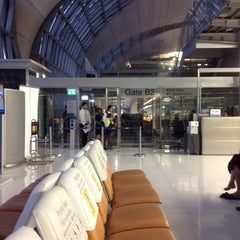 Photo taken at Gate B2 by Mr.Trakool T. on 9/17/2014