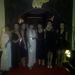 Photo taken at Penthouse's International Business Club by Darra acinta A. on 12/31/2012
