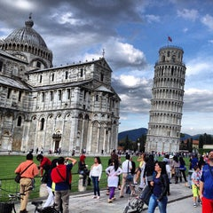 Photo taken at Torre di Pisa by Merve T. on 5/22/2013