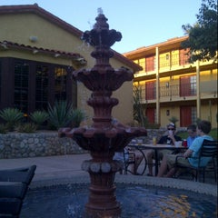 Photo taken at Embassy Suites by Hilton Palm Desert by Kevin K. on 4/17/2014