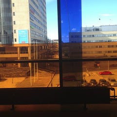 Photo taken at Entressen kirjasto by Baard H. on 4/24/2013