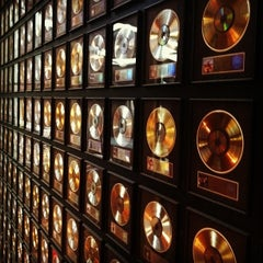 Photo taken at Country Music Hall of Fame® and Museum by Rich V. on 11/19/2012