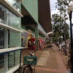Photo taken at Shopping Avenida Center by Alan Silus on 10/11/2012