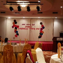 Photo taken at Pearl View Hotel by Nean Khai on 9/15/2015