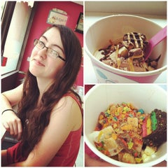 Photo taken at Froyo World by Jon A. on 6/24/2013