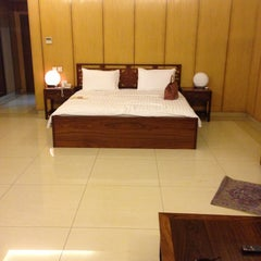 Photo taken at Oriental Hotel by Rahma M. on 5/1/2013