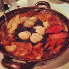 Photo taken at PUTIEN Restaurant 莆田菜馆 by Kwek S. on 2/6/2014