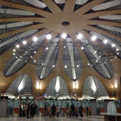Photo taken at Терминал D / Terminal D by Taka O. on 11/22/2012