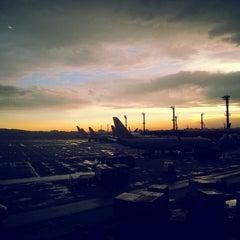 Photo taken at Aeroporto Internacional de São Paulo / Guarulhos (GRU) by Rubens M. on 1/12/2015