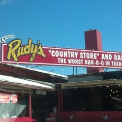 Photo taken at Rudy's Country Store & Bar-B-Q by Sunita on 11/6/2012