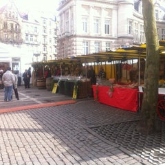 Photo taken at Marché de la place van Meenen / Markt van Meenenplein by Serge C. on 3/16/2013