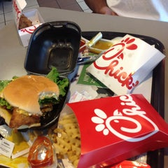 Photo taken at Chick-fil-A by Tony D. on 7/18/2013