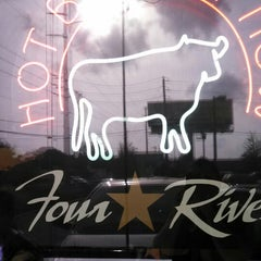 Photo taken at 4 Rivers Smokehouse by Phillip M. on 7/24/2013